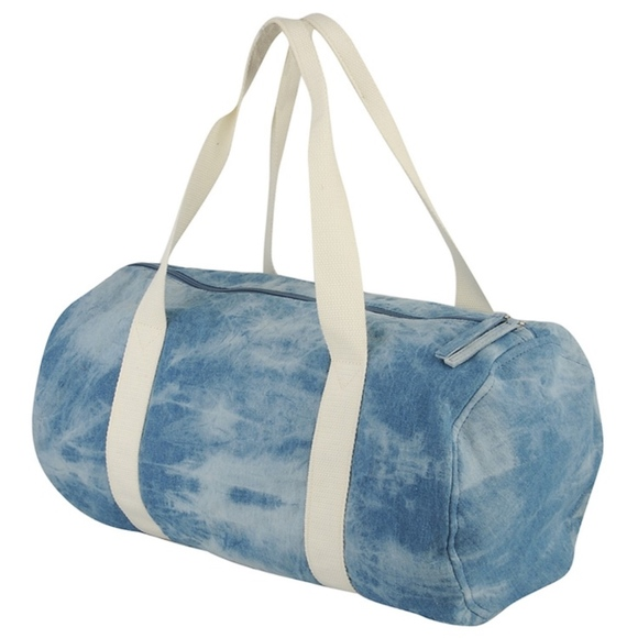 45214591b94c Forever 21 Handbags - Forever 21 Small Duffel Bag